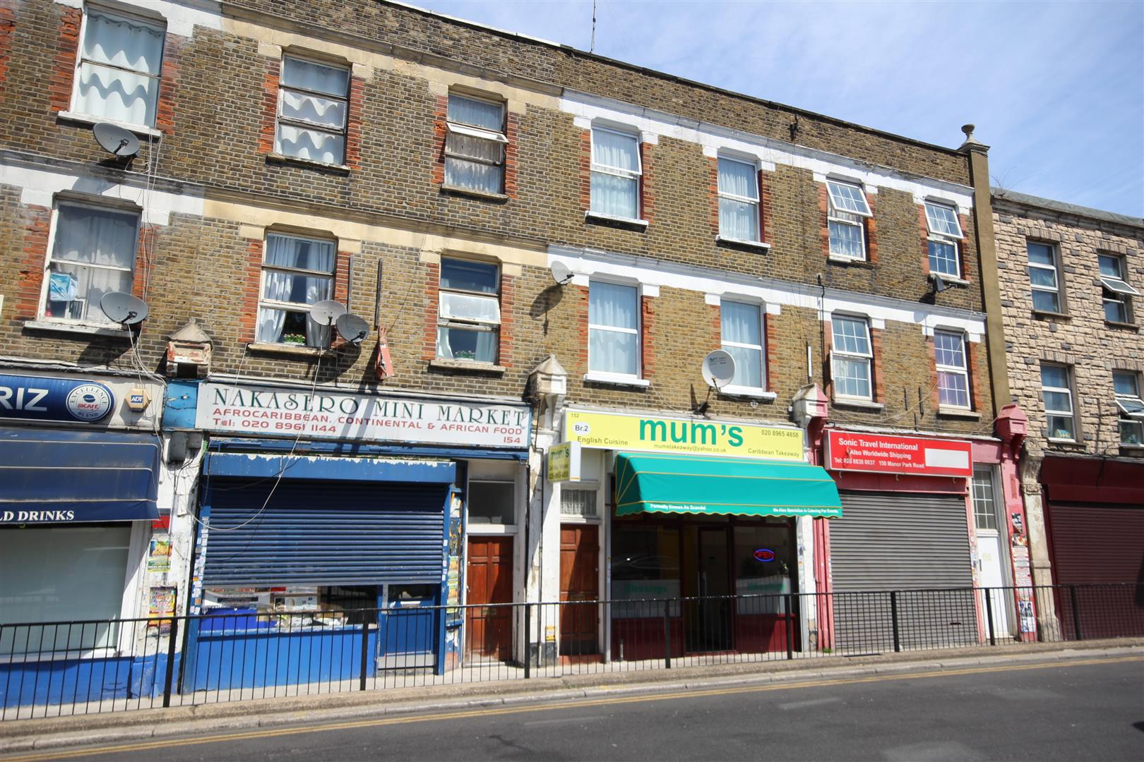 3 Bedrooms Flat for sale in Manor Park Road, London
